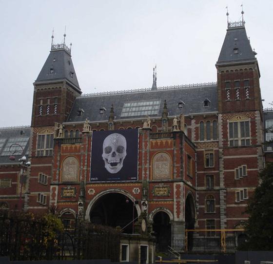 Damien Hirst diamond skull Amsterdam