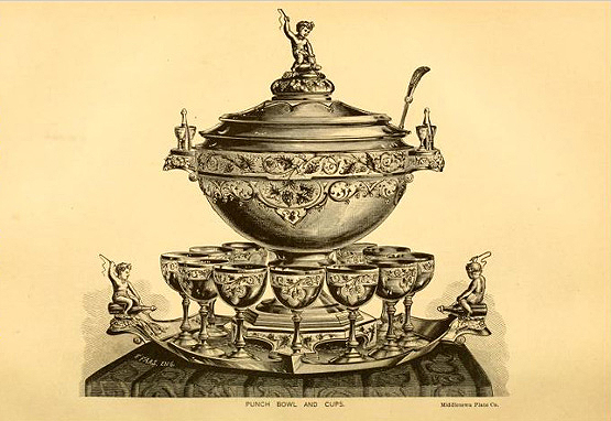 Middletown Plate Co punch bowl and cups
